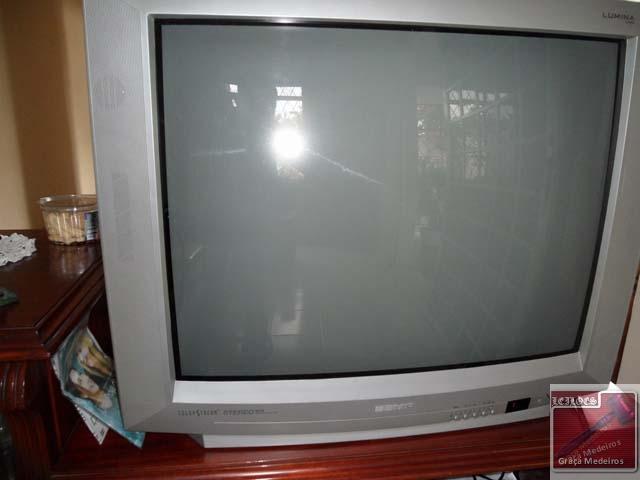 8b612997a A)01(UM) TELEVISOR MARCA SEMP